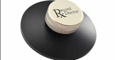 Pangea Audio low-profile version of the Record Doctor clamp