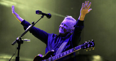 "New Order's ""Education Entertainment Recreation"" Album Coming To Mute Records"