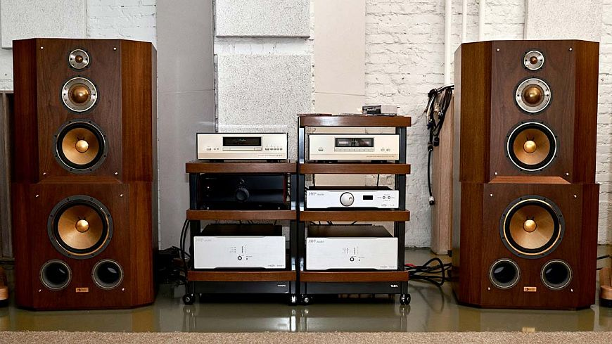 Yamaha GF-1 speaker systems