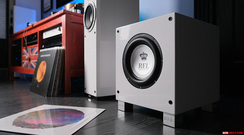How to choose a subwoofer and install it correctly