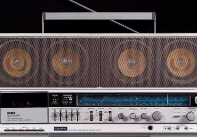 Crown - 1980s cassette boomboxes from Japan